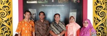 Kunjungan Dosen IKIP-PGRI Pontianak di Institut Dayakologi