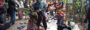 Ritual Adat Buroma' di Tanah Keramat Tambawang Tampun Juah